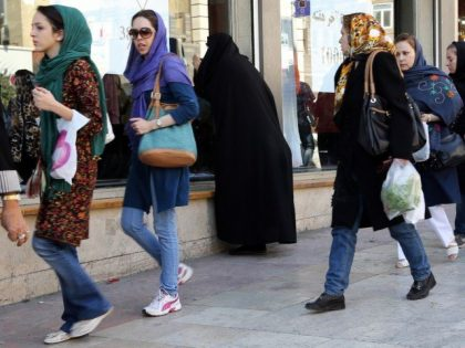 Iran tourism for women: Safe or not safe?