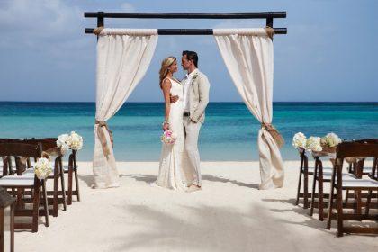 "Aruba invites brides to ""Say I Do"" with a view"