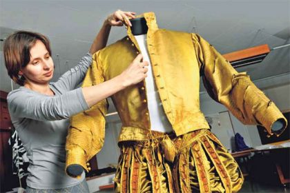 Royal treasures from gems to clothing: The continuing Residenzschloss reconstruction