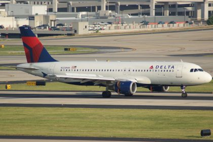 Delta to fly newer, quieter, more efficient aircraft at New York's LaGuardia Airport