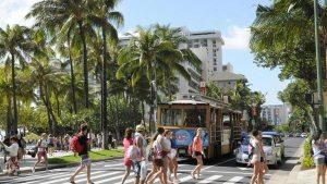 Hawaii tourists spent hit $1.3 billion last month
