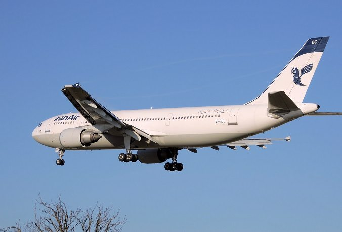 Iran Air A300-600 makes emergency landing at Tehran airport