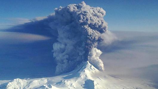 Alaska volcano eruption triggers red aviation alert