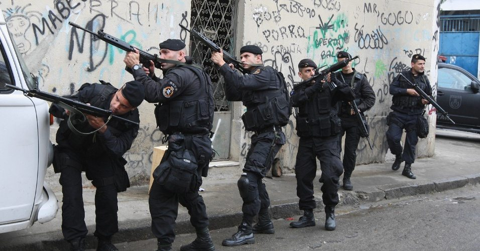 Tourist mecca out of control: 3,500 Brazilian soldiers enter Rio slums to combat violence