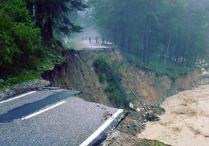 Russian Emergency Ministry: 215 tourists evacuated from Elbrus area hit by mudslide