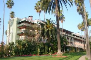 The Beverly Hills Hotel: Fascinating history – famous bed, Kleenex box shoes, 2 vodka bottle breakfasts