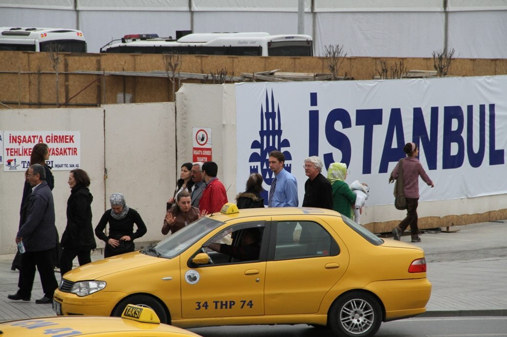 Istanbul cabbie gets 10 years in prison for ripping off tourist
