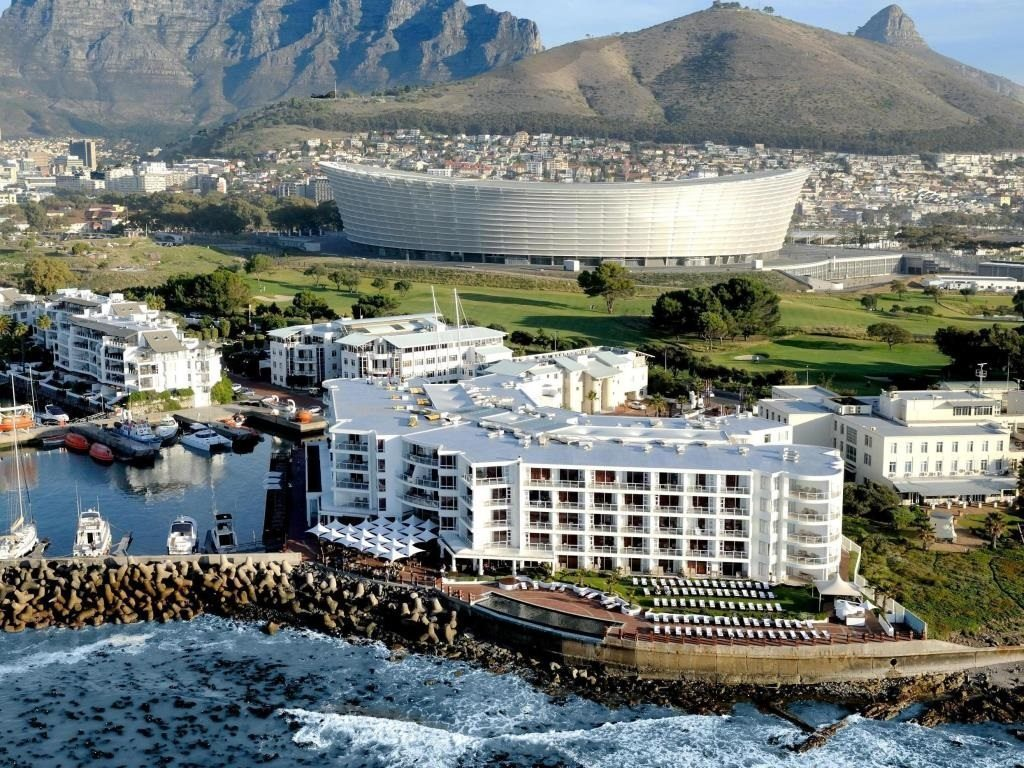 Radisson Blu Waterfront Hotel Cape Town welcomes new Director of Sales and Marketing