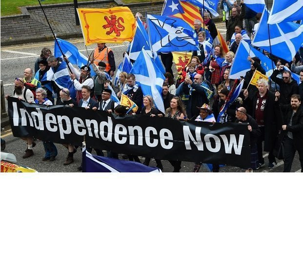 Thousands hit the streets of Glasgow demanding Scottish independence