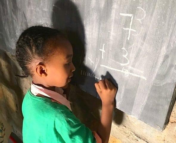 Eden Lodge Madagascar influences regional development