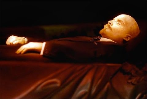 """""""Rise! Rise!"""": Crazed man tries to """"wake up"""" Lenin's corpse at Moscow's Red Square"""