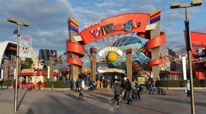 "Mass Panic during Disneyland Paris ""Terror Attack"" Today"