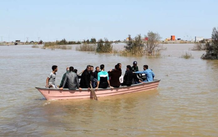 Iranians open homes to travelers stranded by floods