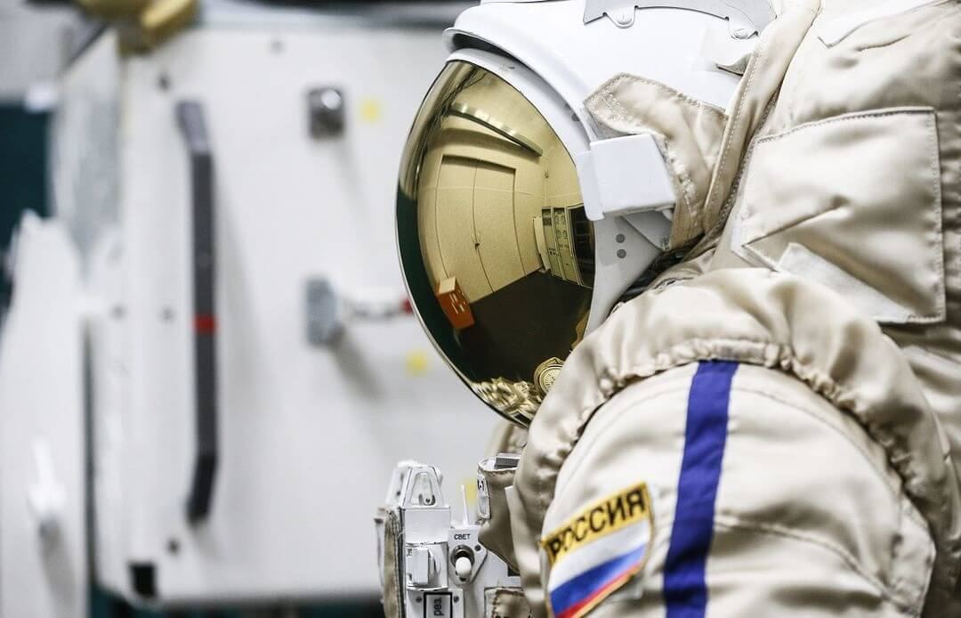 Russian space tourism company to test-fly returnable capsule with dummy on board
