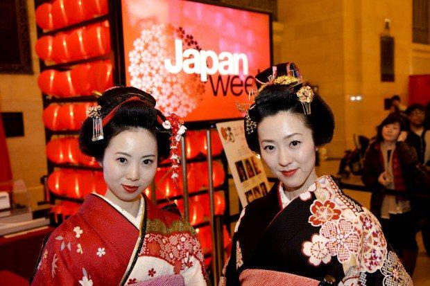 Asian tourist love Destination Japan and millions visit