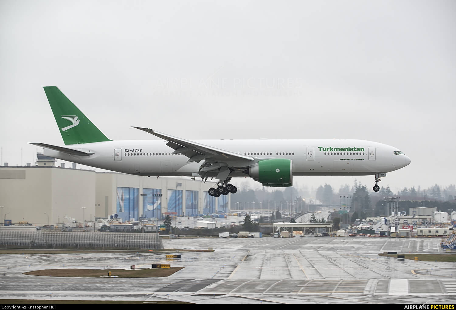 Turkmenistan Airlines intends to order one Boeing 777-200LR