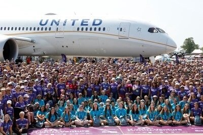 United Airlines flies 787 Dreamliner with all-female crew to world's largest airshow