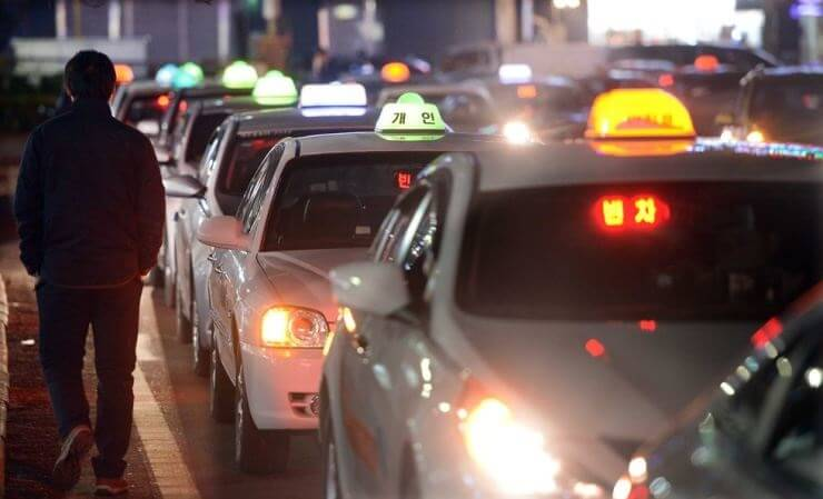 Drunk US soldier hijacks taxi in Seoul, tasered, arrested by Korean police