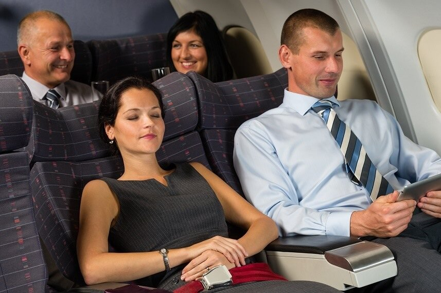 Airline passengers becoming less social on planes