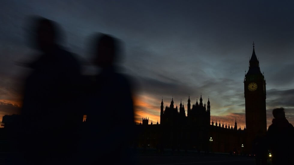 Massive rush hour blackout causes 'total chaos' in London and South East England
