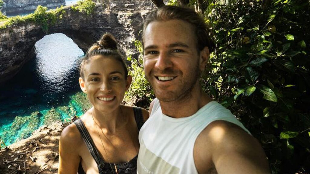 Australian travel bloggers released from Iranian prison