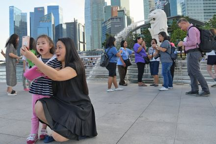 What are tourists from Singapore prefer?