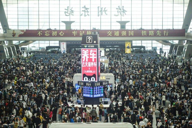 China's May Day holiday travel rush sets new records