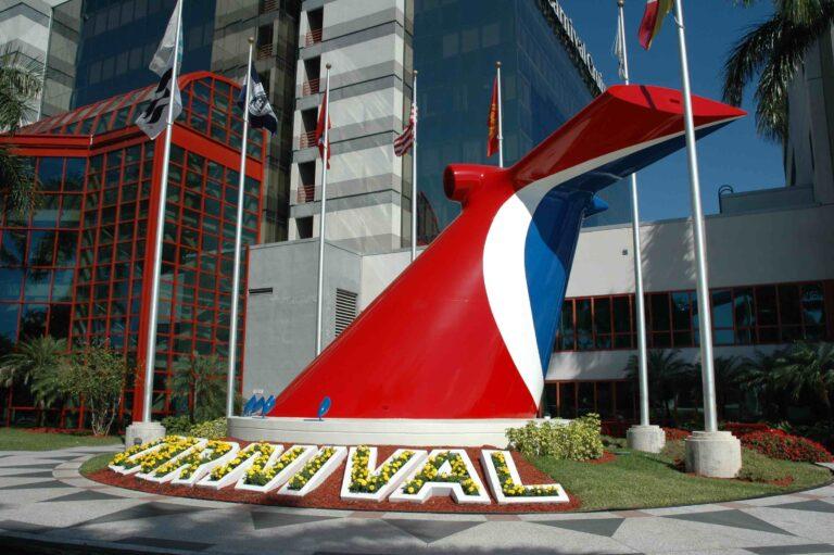 Carnival boosts cruise job postings as it sets sail again