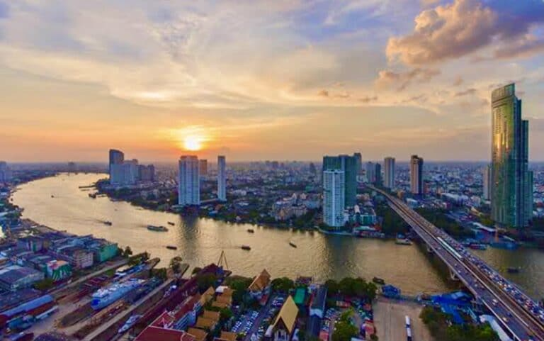 Restrictions eased in Bangkok as COVID numbers fall 30%