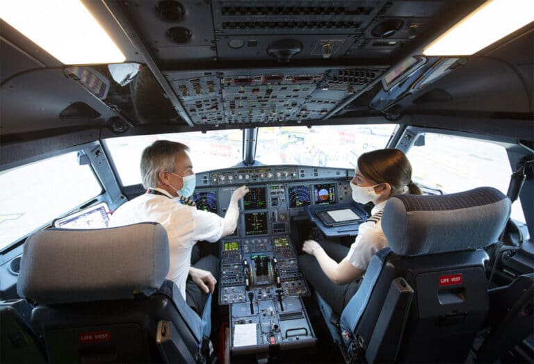 Six Aeroflot pilots refuse COVID-19 jabs, suspended without pay
