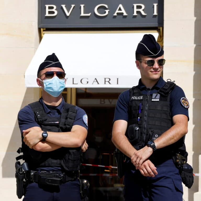 Bulgari Jewelry Store in Paris   wiped out of €10 million